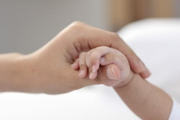 赤ちゃん手